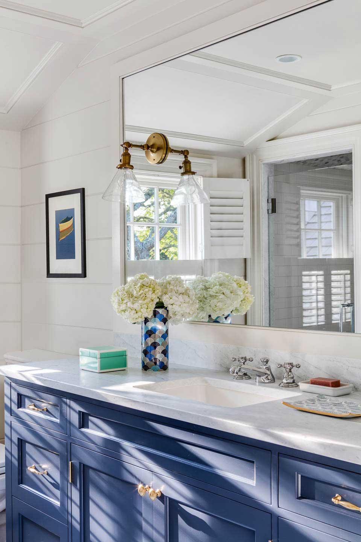 blue vanity, bathroom, bathroom lighting, marble