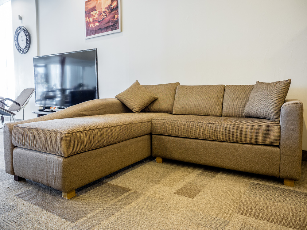 Model: 224-2-1-77. Sofa with long seat.
