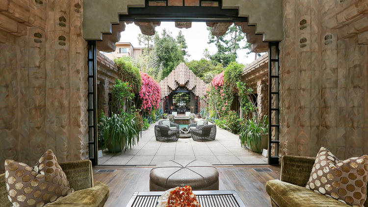 LA's Mayan Style Sowden House