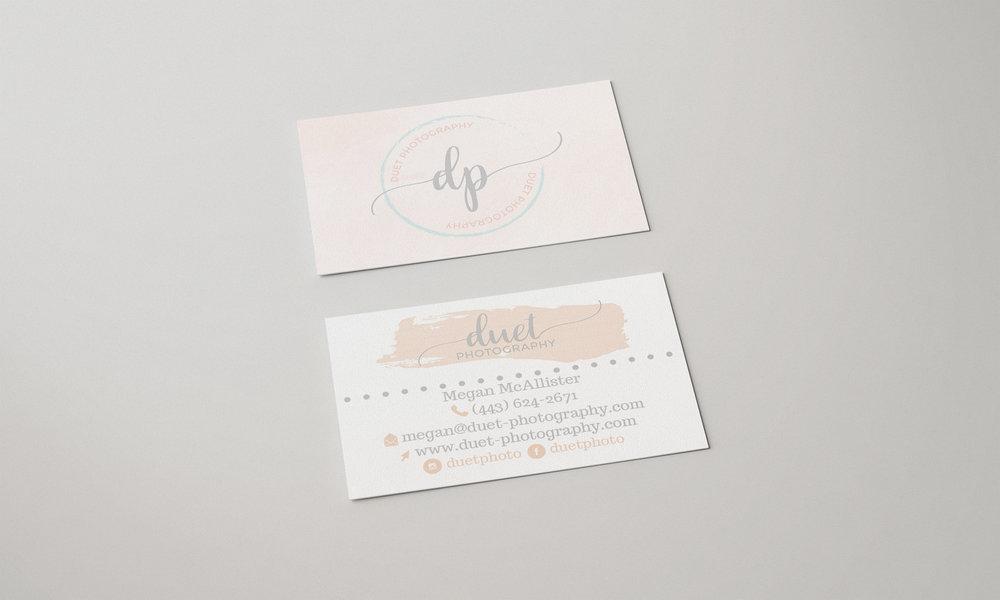 Duet_businesscardmockup_threehellos