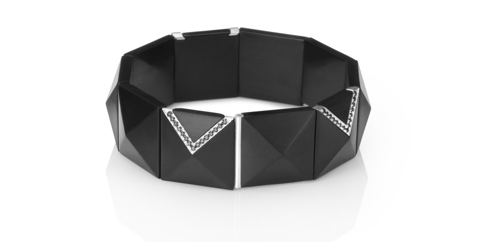 Inlaid Whitby jet bracelet with white gold and black diamonds