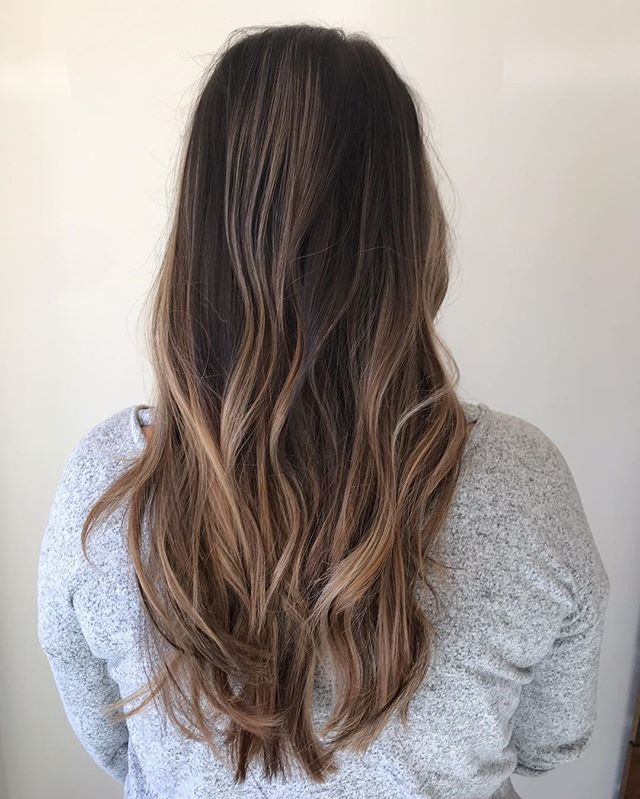 Natural light tones for dark hair . . #modernsalon #americansalon  #licensedtocreate  #imallaboutdahair #hair  #hairgoals  #haircut #womeninbusiness #femalemotivation #femalehustler #createyourlife #citiesbesthairartists #nycbalayage #newyorkhair #nychair #nycsalon #longislandcity #queens #sunnyside #balayage #ombre #color #highlights#beauty #aveda