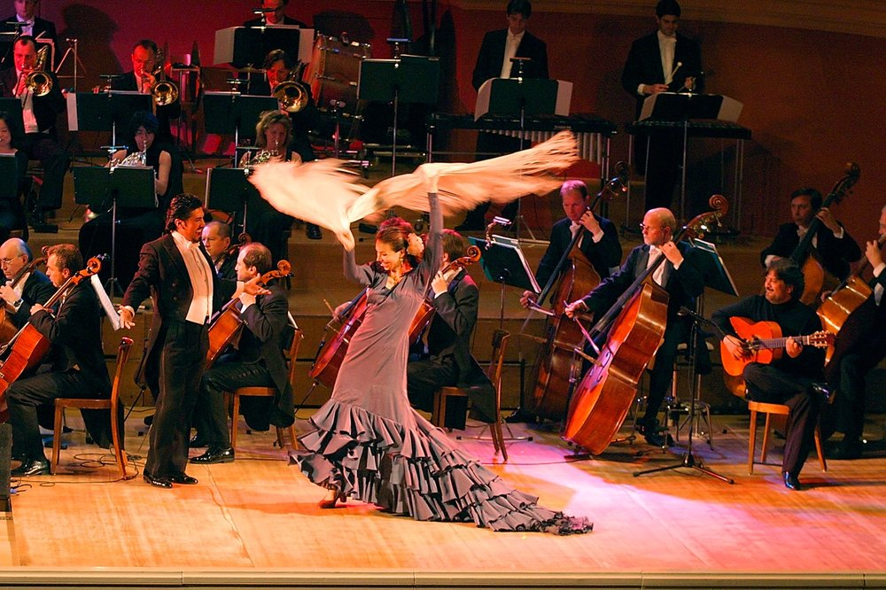 Granada / Agustín Lara - Héctor Sandoval tenor - Pepe Justicia - Flamenco guitar - Philharmonie Baden-Baden - Photo Joerg Bongartz