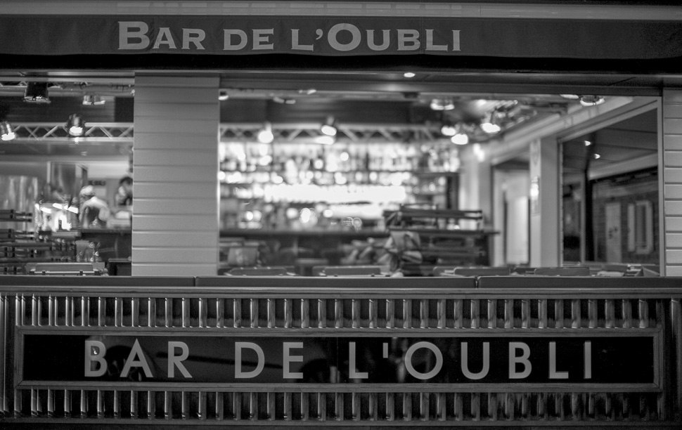 L'Oubli la Nuit / Oblivion Bar at Night - Jan 2016