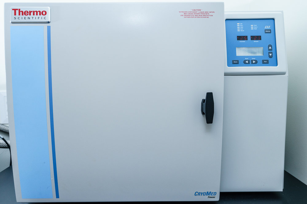 CryoMed controlled rate freezer