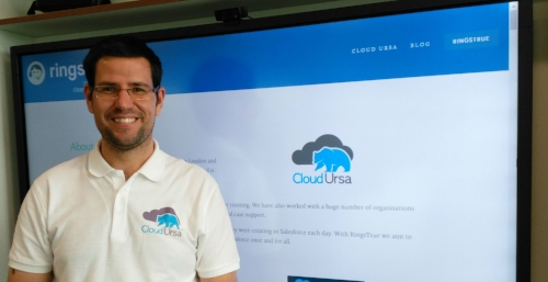 Iain Clements, Director at Cloud Ursa demonstrating our services at a recent I.T networking session. Photo credit: Katey Jane Photography