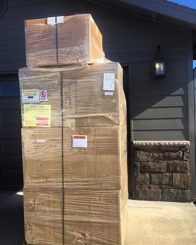 Special delivery! We love @visualcomfortco and always look forward to our shipments from them ❤  most excited for the #morrispendants #lighting #designerprobs #visualcomfort