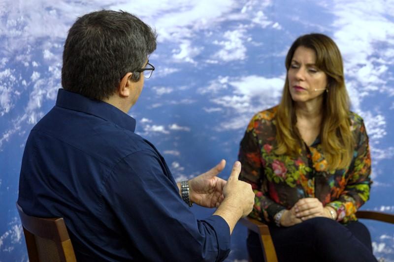 Yasmin Madeira recebe o terapeuta Milton Menezes ao vivo na TV Nova Luz