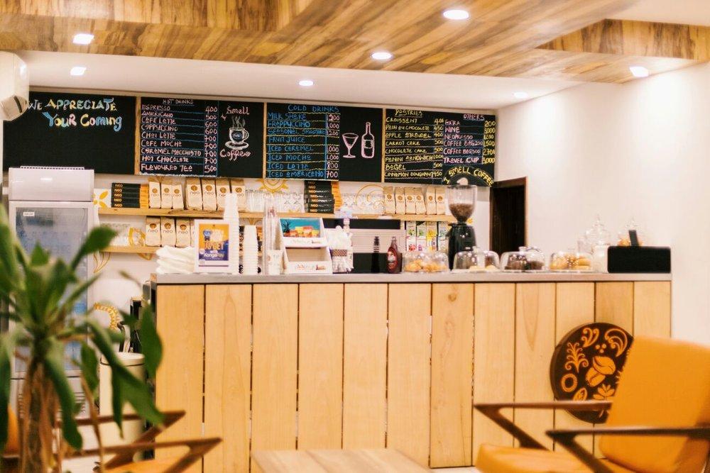 Cafe Neo, Paloos