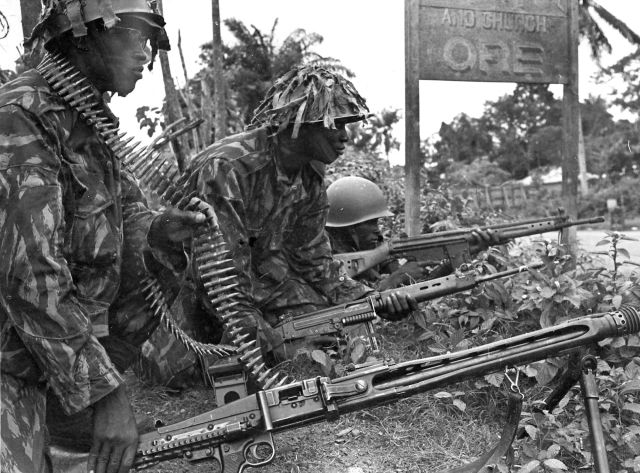 Federal Soldiers Enroute Biafra In 1967.