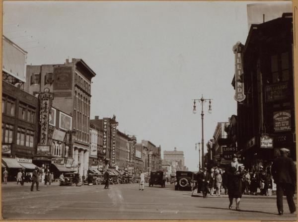 125th St and Lenox Ave, 1928