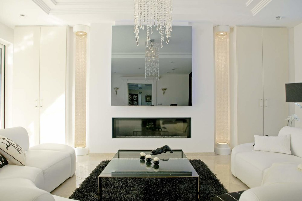WHITE ROOM MIRROR TV.jpg