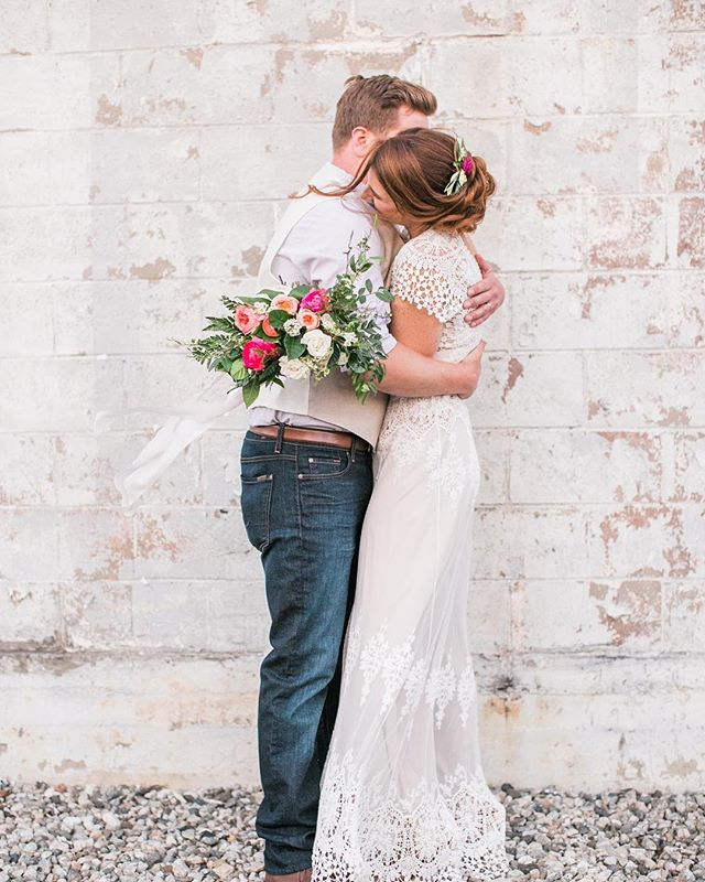 These lovers have been married for 3 months. I like them, a lot. ... Image: @chloemoorephotography  Florals: @floretmoon  Planning: @causewecanevents  Hair & Makeup: @emeraldm_makeup  Venue: @smokyhollowstudios