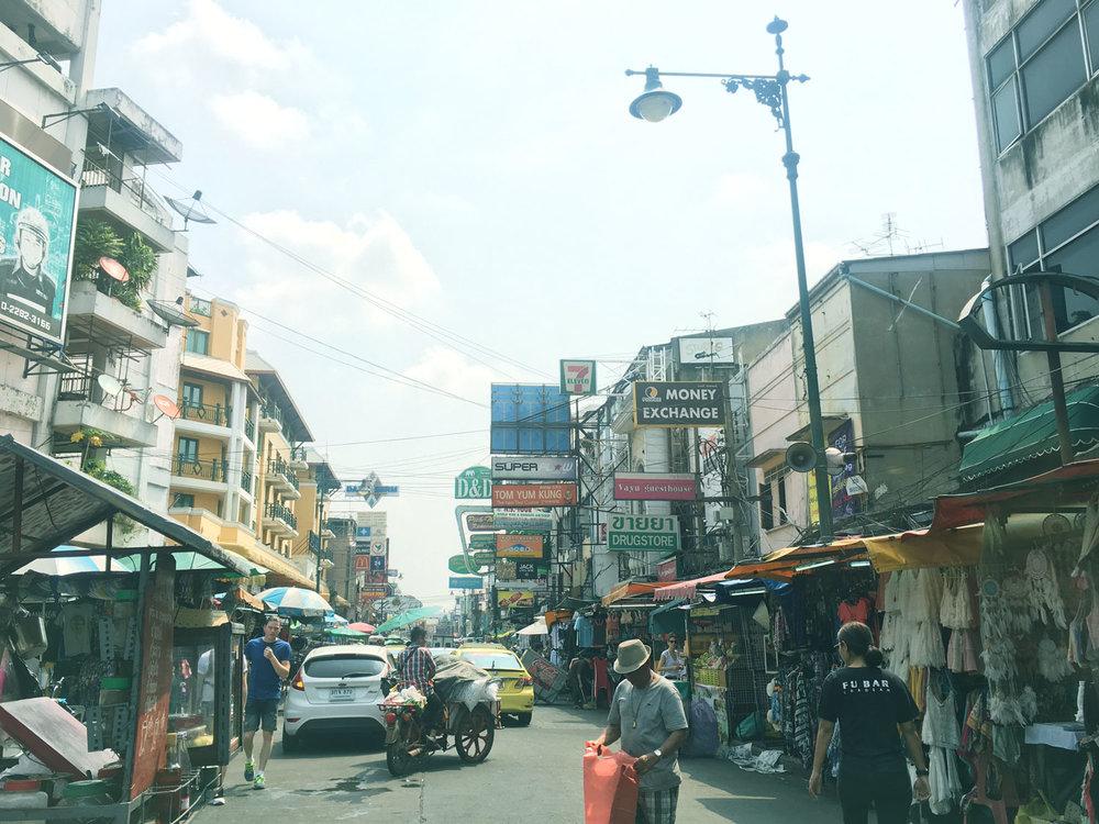 Stumbling across Ethos Vegan and Veggie Restaurant on Khaosan Road