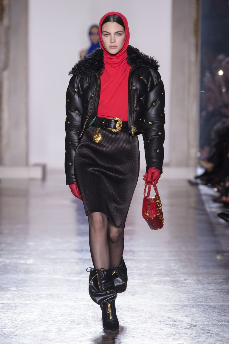 A fur collared puffer jacket on the Versace Fall/Winter 2018 runway  / Maxtree
