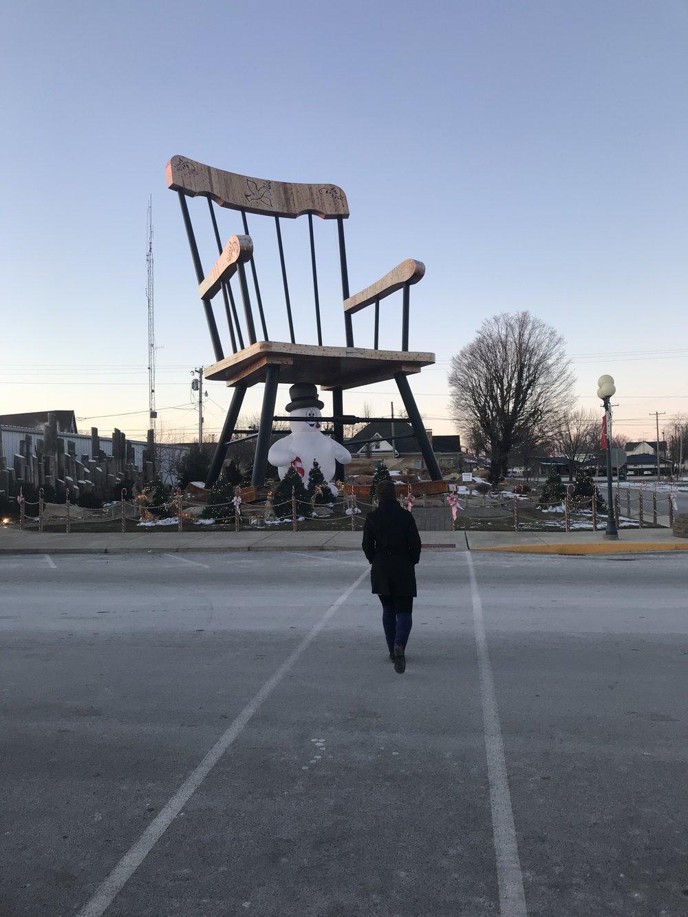 biggest rocking chair illinois