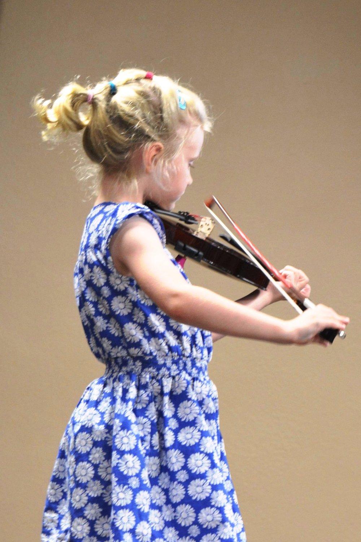 Young Suzuki Niagara Violin Student
