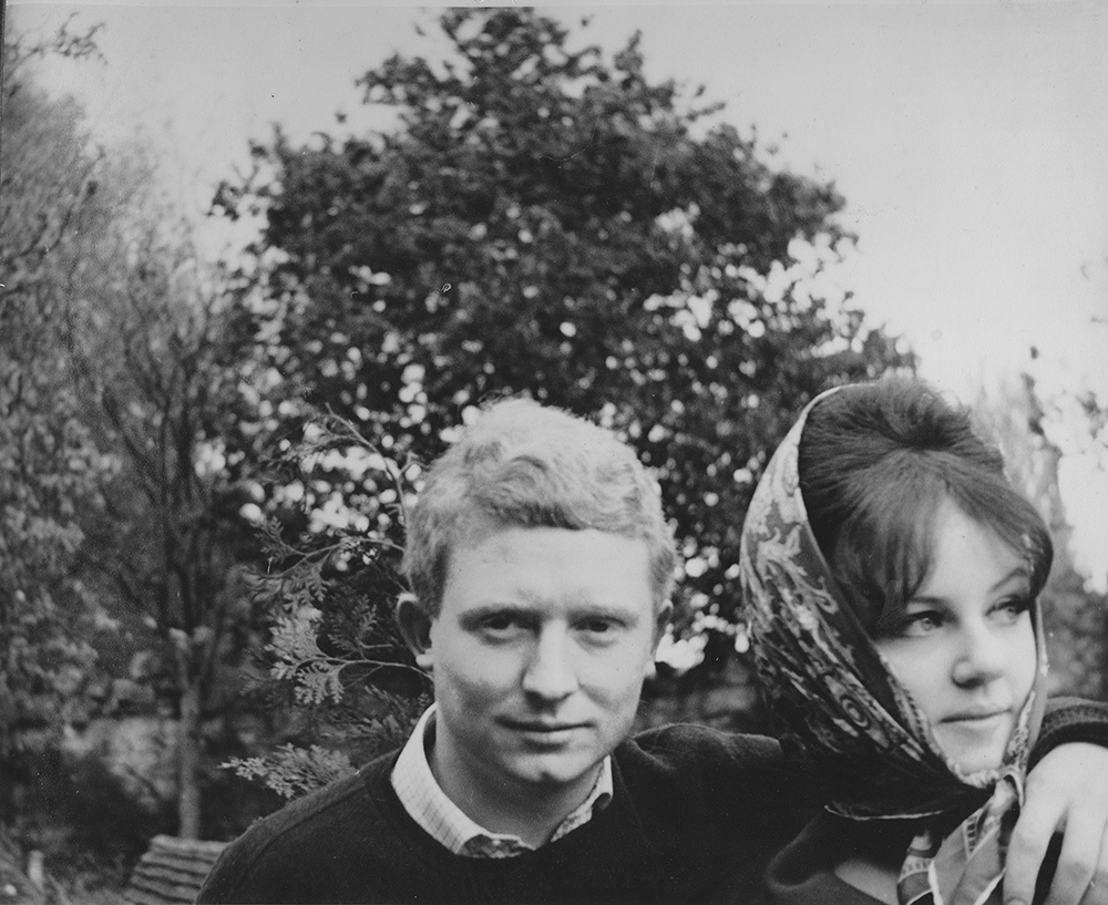 Brett and Wendy Whiteley in the 1960s. Image C/ Brett's sister, Frannie Hopkirk