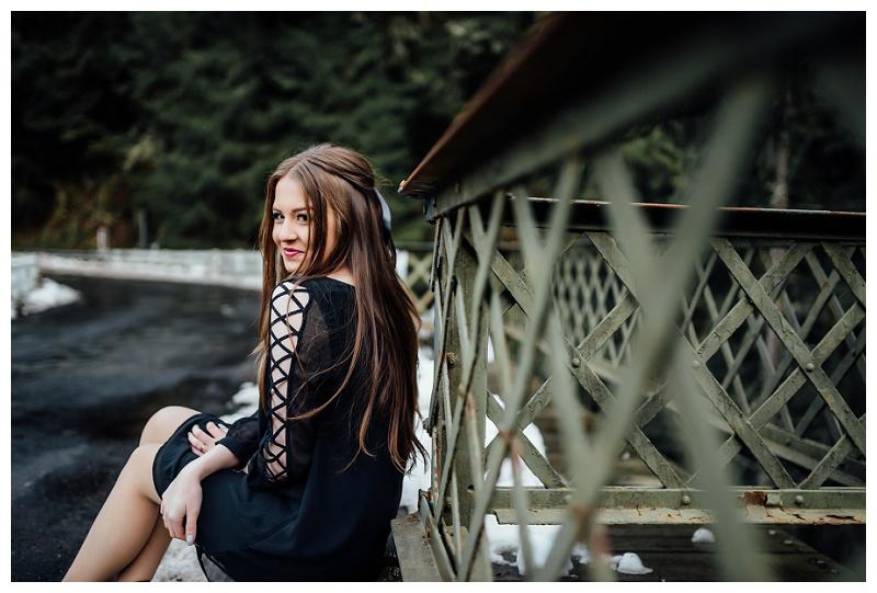 tacoma_washington_senior_photographer_fairfax_bridge_0037.jpg