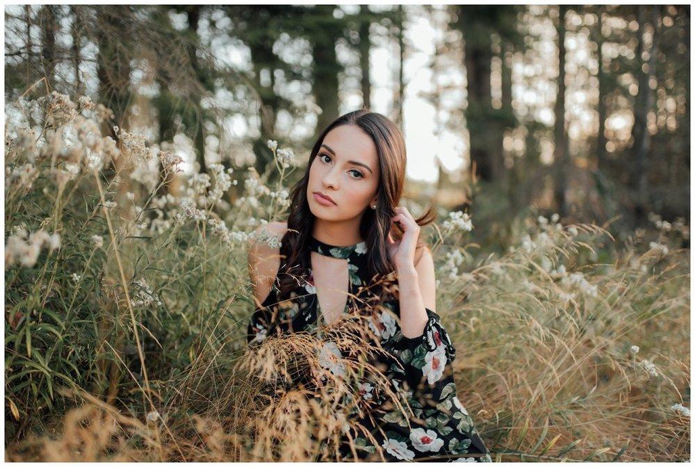 Brittingham_Photography_Orting_Washington_High_School_Senior_Photographer_Lake_Tapps_Alyssa_0004.jpg