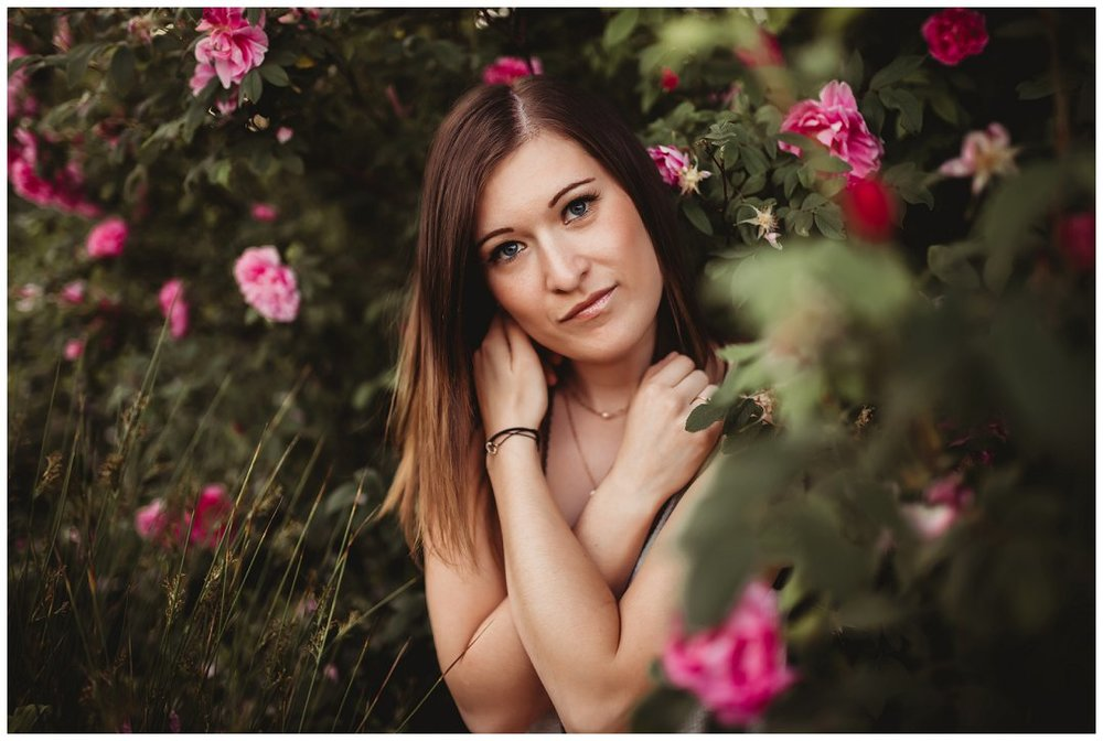 Brittingham_Photography_Orting_Washington_High_School_Senior_Photographer_Puyallup_poppies_Maddie_0002.jpg
