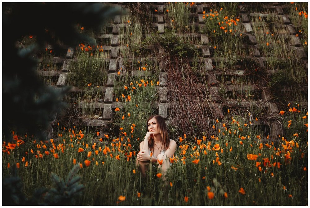 Brittingham_Photography_Orting_Washington_High_School_Senior_Photographer_Puyallup_poppies_Maddie_0009.jpg