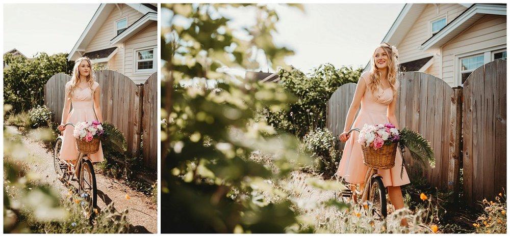 brittingham_photography_orting_washington_senior_photos_retro_floral_shoot_sumner_0008.jpg