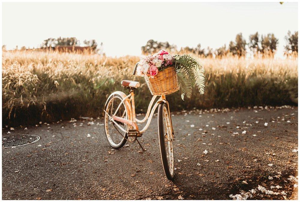 brittingham_photography_orting_washington_senior_photos_retro_floral_shoot_sumner_0045.jpg