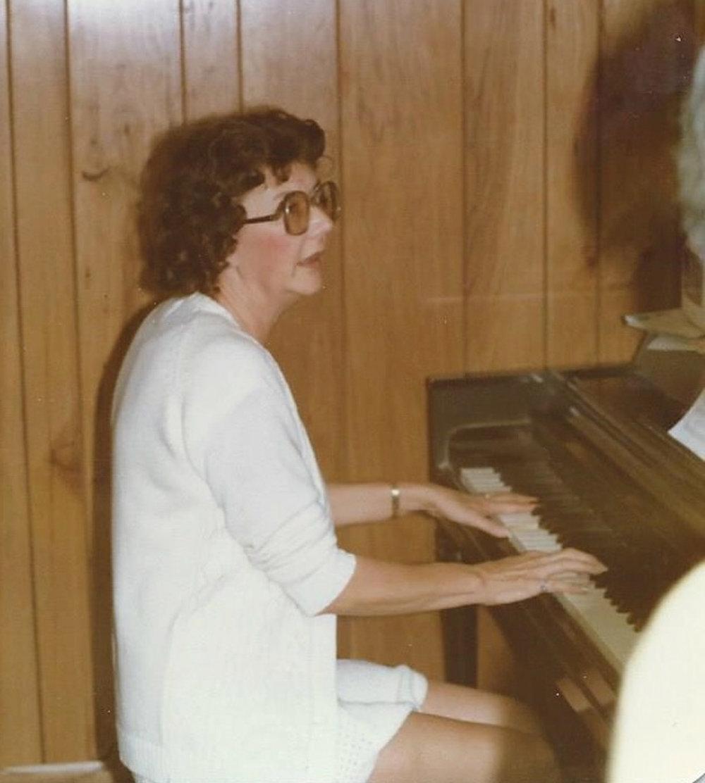 Piano-1980.jpg