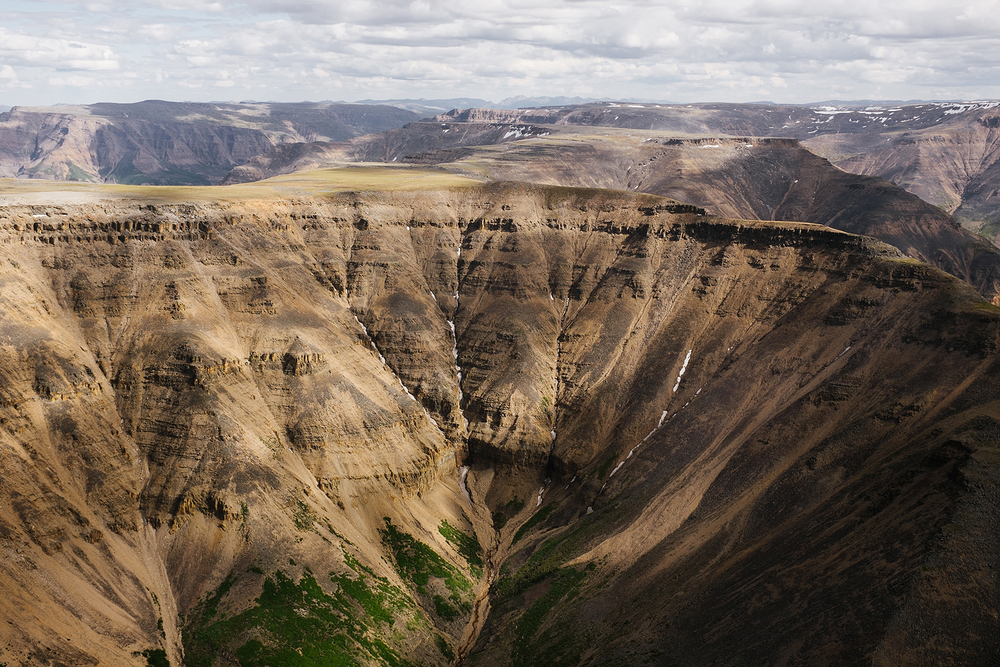 canyons at nahanni