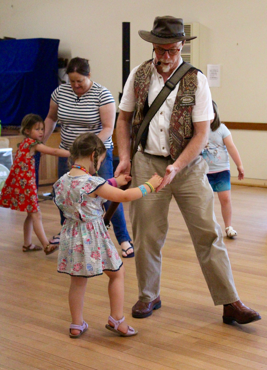 The 'Not your average family' Dance with the  Billy Tea Bush Band