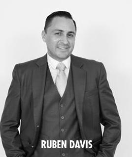 <h1>Ruben Davis</h1><p>lorem ipsum dolor sit amet</p>