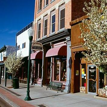 SHOPPING & DINING IN DOWNTOWN GUNNISON                                               Gunnison
