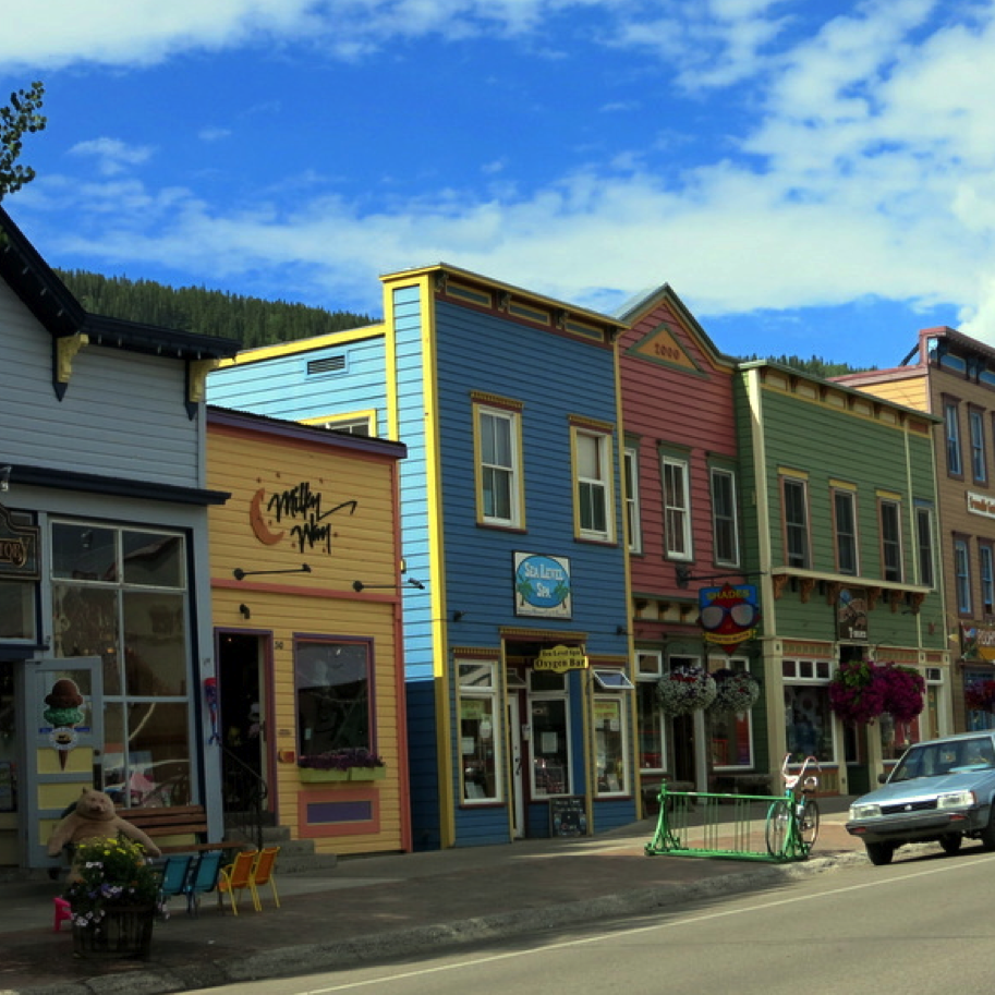 SHOPPING & DINING IN DOWNTOWN CRESTED BUTTE                                             Crested Butte