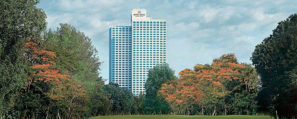 02-Hotel-Mulia-Senayan_Facade-from-Senayan-Golf-Course-L.jpg