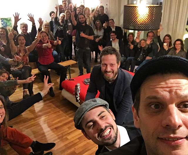 #livingroomconcert what great crowd! that was a lot of fun! Thanks for the support