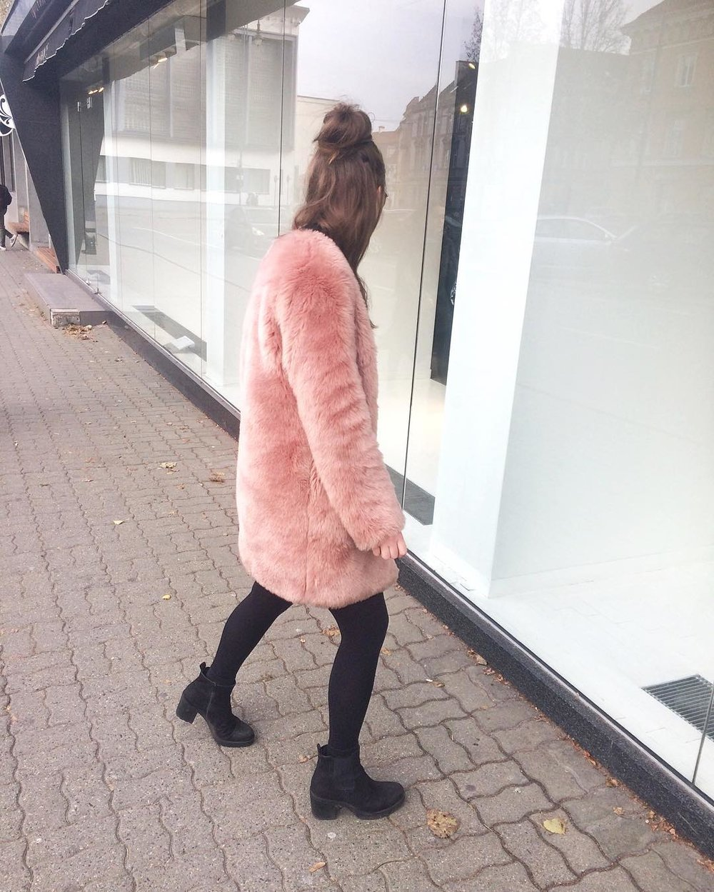 Furry problems of a 21st century fashionista | prettyugly.eu