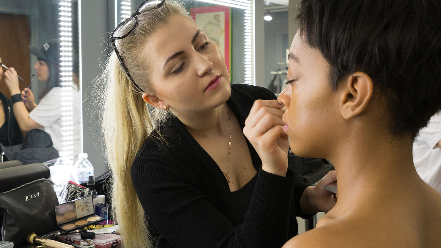 Certificate Courses Make Up First School Of Makeup Artistry