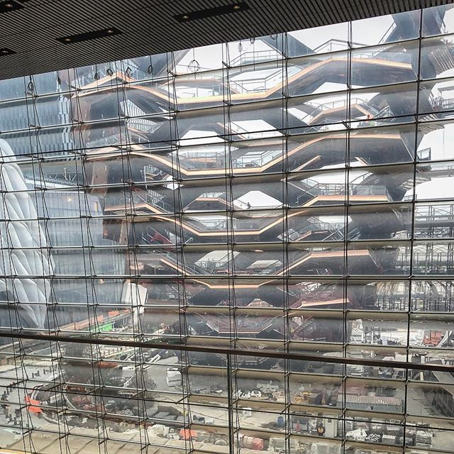 Checking out the current construction of Heatherwick's Vessel at Hudson Yards . . #architecture #architecturephotography #architects #cm #construction #onsite #hudson #yards #hudsonyards #nyc #newyork #newyorkcity #chelsea #midtown #constructionworker #arch #storefront #storefrontdesign #storefrontdesigns #design #interior #interiordesign #photo #thehive #vessel #heatherwick #thomasheatherwick