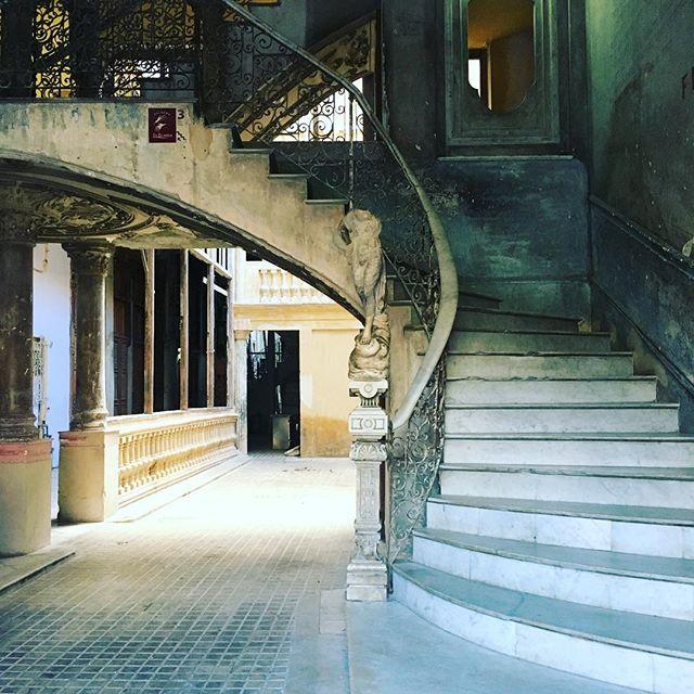 The hallway to a bar. The HALLWAY. Havana, you floored me. #havana #cuba #love