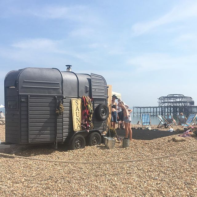 Sauna in a van on a boiling bank holiday Monday (I didn't try it) #brighton #brightonbeach #sauna #hot 🔥☀️💦