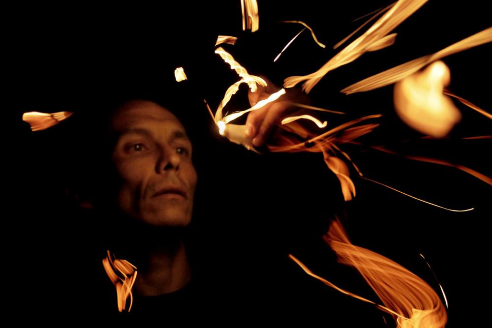 """""""Histórias Incendiárias."""",2014. Uma criação de Patrick Murys e Luís Belo."""