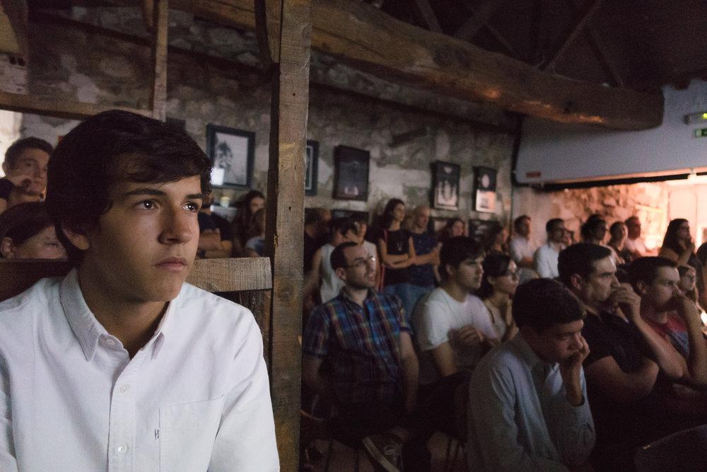 João Sá Nogueira (em primeiro plano), vencedor na categoria de Melhor Actor, 2016.