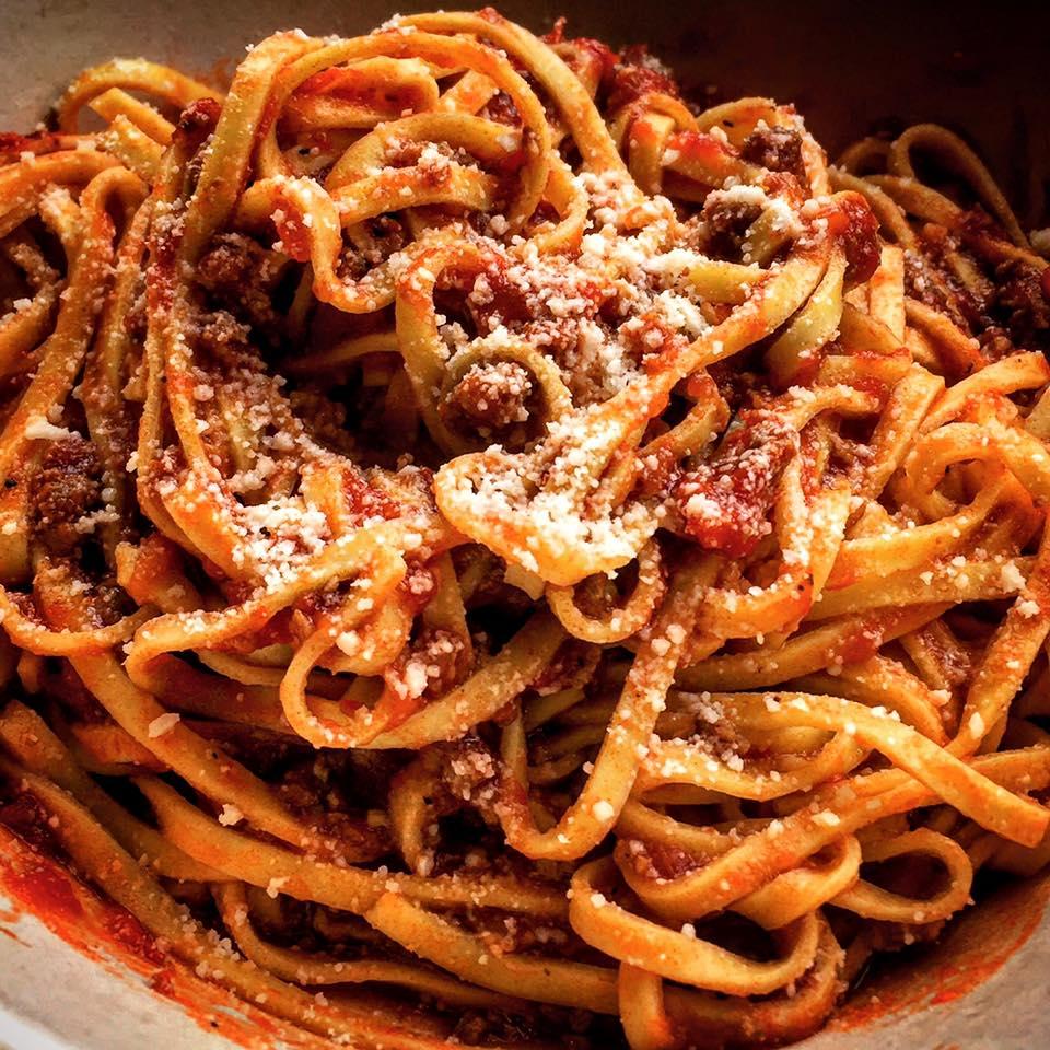 Linguini with Pomodoro Sauce
