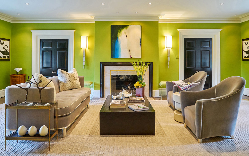 Bright green walls brings glamour and sophistication.