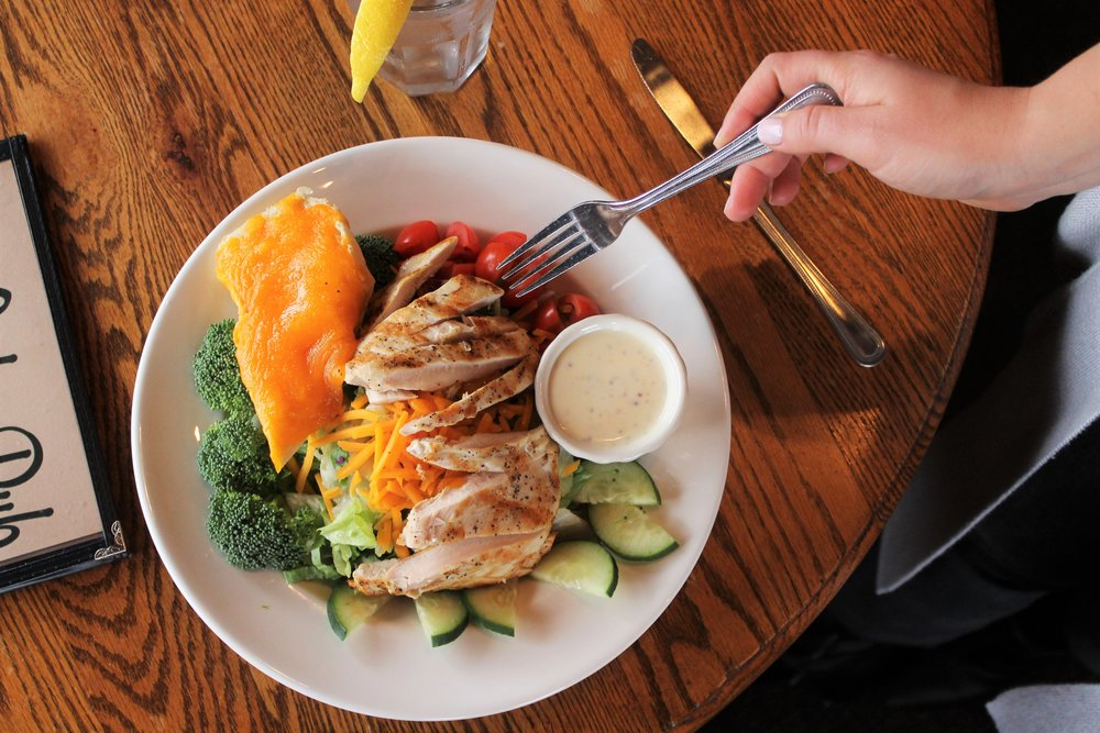 McCabe Pub Grilled Chicken Salad