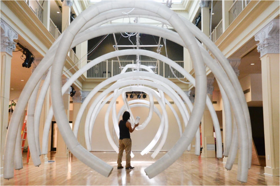 Organic Arches by Chico MacMurtrie/ARW. Photo: John Valenzuela/Press-Enterprise/SCNG