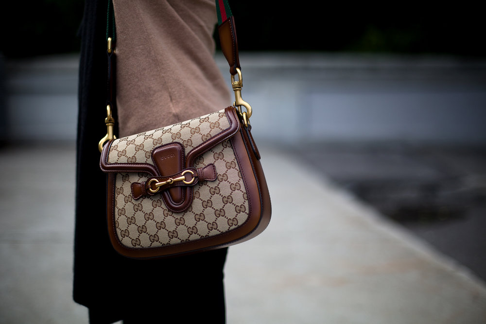 Gucci Lady Web medium bad available  here