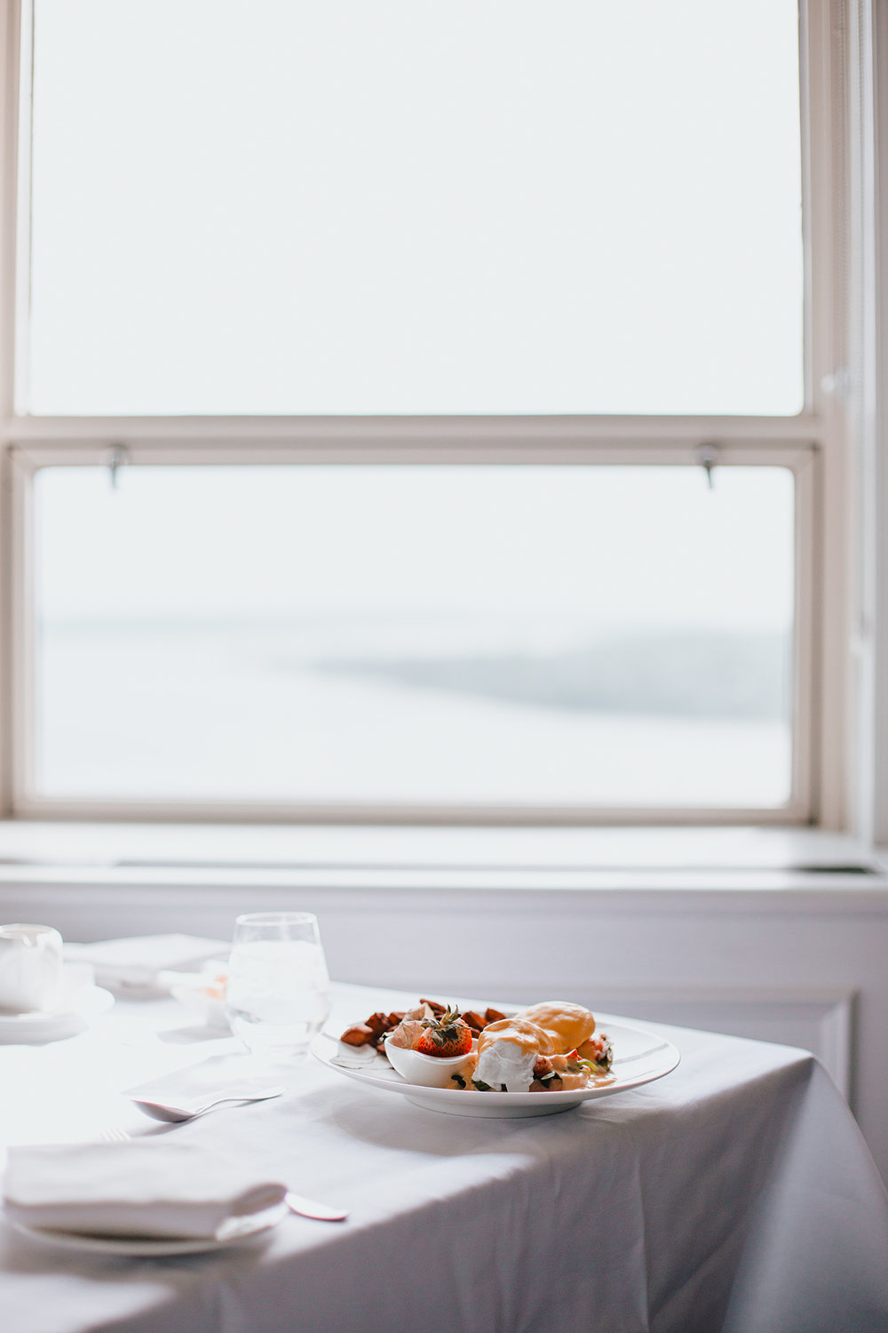 Favourite moment: Early morning breakfast straight to my room. The Lobster Benedictine was simply DIVINE and made me feel like royalty with an amazing view. It was the perfec getaway trip for a couple without going to far from Montreal.