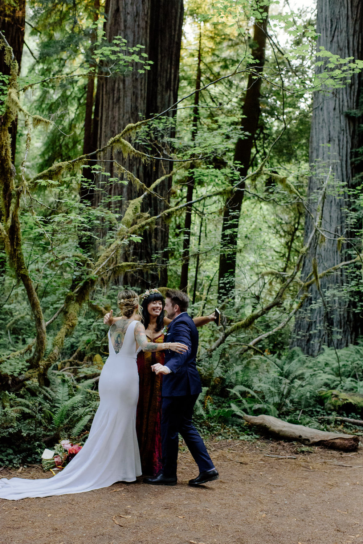 CaliforniaRedwoodDestinationWedding_HumboldtWeddingPhotographer-60.jpg